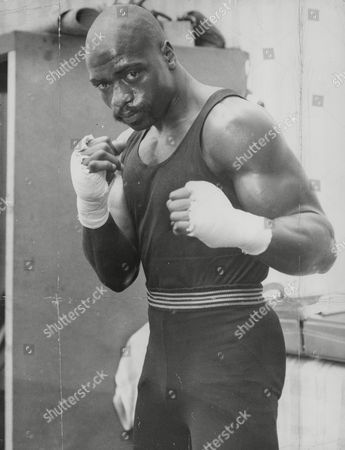 Rubin Carter U.s. Middleweight Boxer. (rubin 'hurricane' Carter). Box 740 417031747 A.jpg.