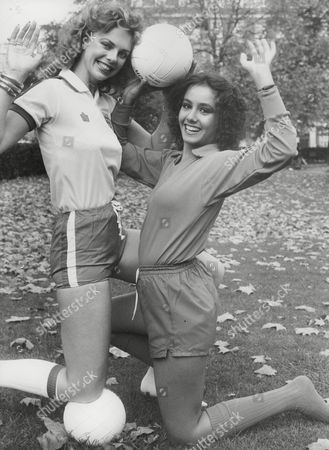 Editorial photo of Madeleine Stringer Miss U.k. (l) And Anna Kanakis Miss Italy (r) Both Are Contestants In Miss World 1977 Contest. Box 744 205041749 A.jpg.