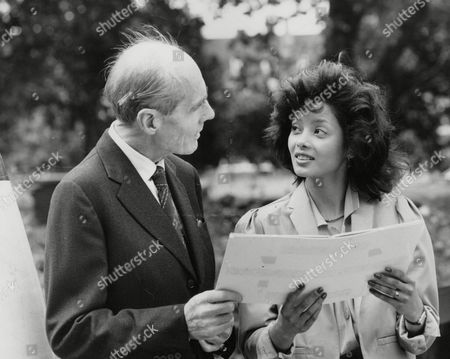 Group Captain Leonard Cheshire (later Lord Cheshire) With Actress Emily Bolton At The Imperial War Museum London To Mark The 40th Anniversary Pf V.j. Day. Box 745 807041716 A.jpg.
