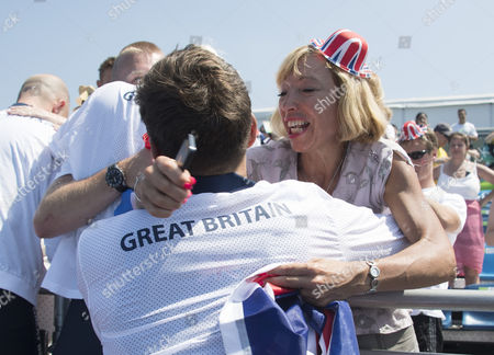 Paralympic Gold Medal Rowers Grace Clough Daniel Brown Pamela Relph James Fox And Cox James Oliver Greet Family And Friends After Winning The Lta Mixed Coxed Four  (rio Paralympics) 11916