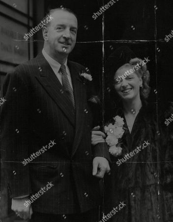 Wedding Of Musical Conductor Reginald Burston To Miss Sarah Simmons At Caxton Hall. Box 738 414031720 A.jpg.