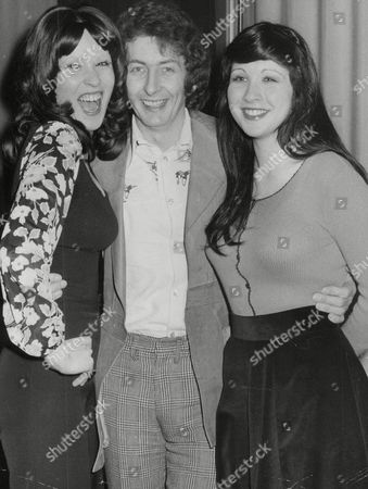 Radio D.j. Dave Cash With Sisters Kathleen O'neill (left) And Abey O'neill Finalists In The London Union Of Youth Club's Modelling/personality Competition. Box 741 621031737 A.jpg.