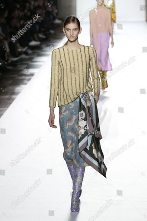 Stock Picture of Sarah Berger on the catwalk