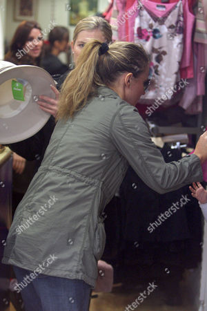 Geri Halliwell shopping in an Oxfam shop