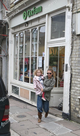 Geri Halliwell and daughter Bluebell Madonna leaving an Oxfam shop
