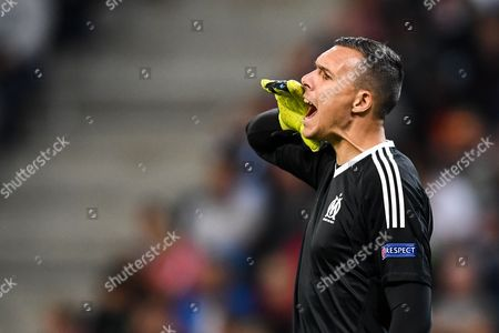 Marseille's goalkeeper Yohann Pele reacts during the UEFA Europa League soccer match between Red Bull Salzburg and Olympique Marseille, in Salzburg, Austria, 28 September 2017.