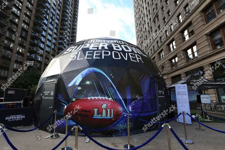 """Courtyard promoted its """"Super Bowl Sleepover Contest,"""" a contest that gives a fan the chance to wake up on the field of Super Bowl LI, by building a custom 4-D Virtual Reality dome that simulates the prize experience of being on a field at this year's Super Bowl. Courtyard invited NFL stars Justin Tuck and Rashad Jennings to meet with fans and test it out themselves on in New York"""