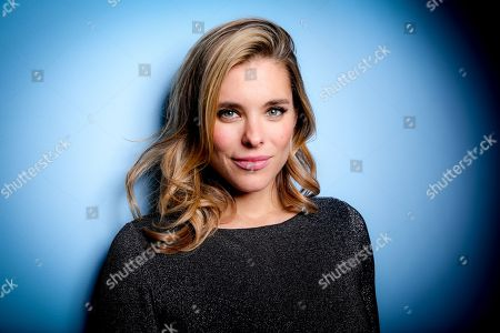 "Actress Susie Abromeit poses for a portrait, in Los Angeles. Abromeit plays the role of Pam in the Netflix series, ""Jessica Jones,"" and Zoe Roth on NBC's television series, ""Chicago Med"