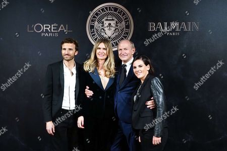 Pierre Emmanuel Angeloglou, Sophie Agon, Jean-Paul Agon CEO of L'Oreal and guest attend the L'Oreal Paris X Balmain event as part of the Paris Fashion Week Womenswear Spring/Summer 2018 on September 28, 2017 in Paris, France. //VULAURENT_LVU20170928_01117/Credit:LaurentVu/SIPA/1709290722