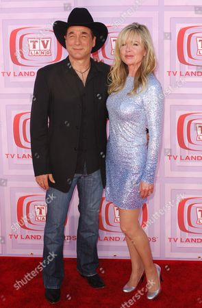 Clint Black and wife Lisa Hartman