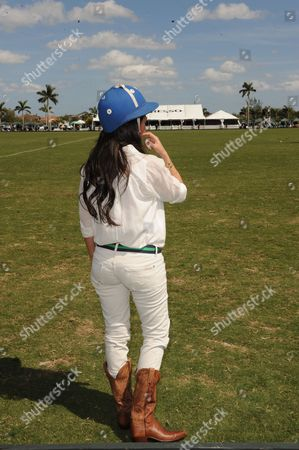 West Palm Beach Fl - March 14: Kourtney Kardashian and Scott Disick with Their Young Son Mason Dash Disick in Tow Take a Polo Lesson with Top Ranked American Polo Player Nic Roldan the Couple Was Joined by Sister Khloe Kardashian the Kardashian Clan Had a Great Afternoon Riding Horses and Joking Around While They Sipped Champagne at the International Polo Club Palm Beach On March 14 2010 in Wellington Florida People: Kourtney Kardashian_khloe Kardashian