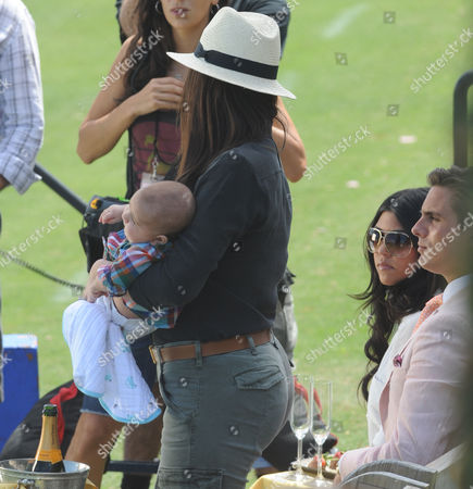 West Palm Beach Fl - March 14: (exclusive Coverage) Kourtney Kardashian and Scott Disick with Their Young Son Mason Dash Disick in Tow Take a Polo Lesson with Top Ranked American Polo Player Nic Roldan the Couple Was Joined by Sister Khloe Kardashian the Kardashian Clan Had a Great Afternoon Riding Horses and Joking Around While They Sipped Champagne at the International Polo Club Palm Beach On March 14 2010 in Wellington Florida People: Khloe Kardashian_mason Dash Disick