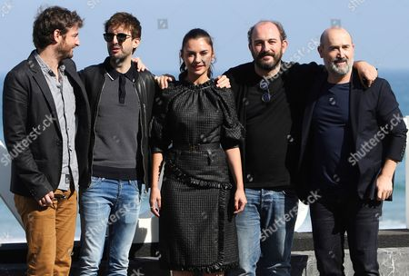 Spanish film director Borja Cobeaga (2-R) poses with actors and cast members Gorka Otxoa (L), Miren Ibarguren (C), Javier Camara (R) and Julian Lopez (2-L) during the presentation of the film 'Fe de Etarras' at the 65th annual San Sebastian International Film Festival, in San Sebastian, Spain, 29 September 2017. The film festival runs from 22 to 30 September.