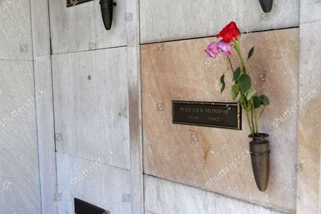 The crypt next to US actress Marilyn Monroe's grave where the late Playboy magazine founder Hugh Hefner will be buried is pictured at the Pierce Brothers Westwood Village Memorial Park and Mortuary in Los Angeles, California, USA, 29 September 2017.  Hefner bought the plot in 1992 for 75,000 USD and has said 'Spending eternity next to Marilyn is too sweet to pass up'. Hefner died of natural causes at the age of 91 in Los Angeles on 27 September 2017.