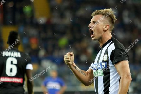 Udinese's forward Maxi Lopez jubilates after scoring (2-0) by penalty during the Italian Serie A soccer match Udinese Calcio vs UC Sampdoria at Friuli stadium in Udine, Italy, 30 September 2017.