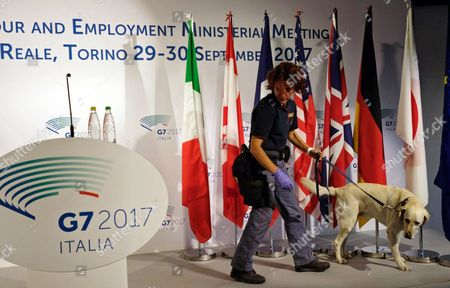 Police check the site prior the press conference of Italian Labour Minister, Giuliano Poletti, at the end of the G7 Labour and Employment Ministerial Meeting in Venaria, near Turin, Italy, 30 September 2017.  The G7 Ministers of Labor meeting takes place on 29 and 30 September at the Venaria Reale Palace in the framework of a week dedicated to the challenges of the so-called 'Fourth Industrial Revolution'.