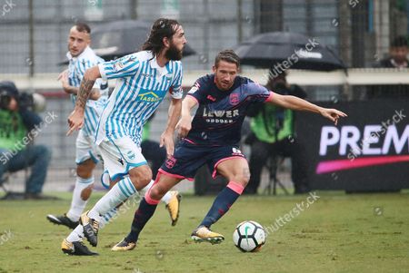 Spal's Luca Mora (L) and Crotone's Marcus Rohden in action during the Italian Serie A soccer match Spal 2013 vs F.C Crotone at Paolo Mazza Stadium in Ferrara, Italy, 01 October 2017.