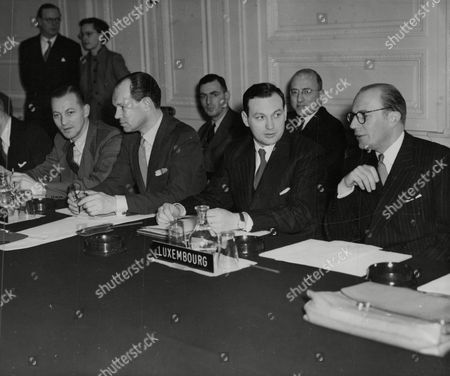 The Atlantic Defence Treaty Production Board Meeting At Belgrave Square In London. (l-r) Mr Van Braem Houckgeest Dr. Schoemaker Mr Heisboug And Mr Andre J. Clasen. Box 749 813041716 A.jpg.