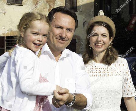 Princess Annemarie de Bourbon de Parma and Princess Luisa
