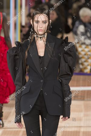 Stock Picture of Ania Chiz on the catwalk