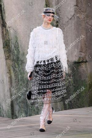 Sarah Berger on the catwalk