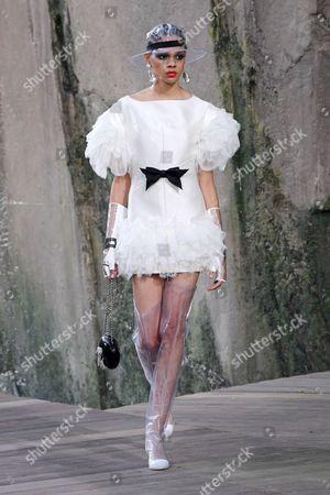 Hiandra Martinez on the catwalk