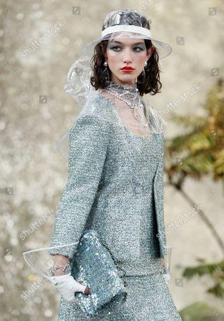 McKenna Hellam on the catwalk