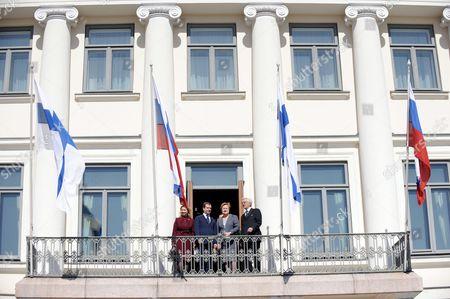 Mrs Svetlana Medvedeva, Russian President Dmitry Medvedev with Finland's President Tarja Halonen and Dr Pentti Arajarvi