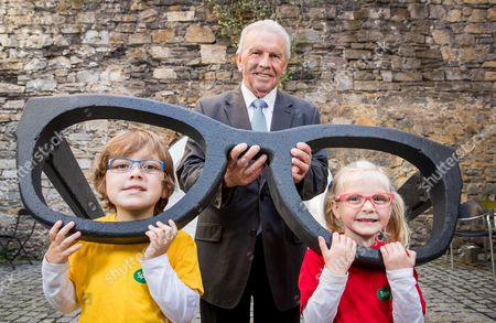 Today (3rd October) Johnny Giles launched the Specsavers Grandparent of the Year Award in association with Third Age for 2017. The search for Ireland?s mot exceptional grandparent is now open and the legendary sports star, broadcaster and grandfather of eight, is encouraging grandchildren across the country to start nominating. The aim of the Award is to celebrate the extraordinary contribution that grandparents make to the lives of their grandchildren and the community and give them the recognition that they deserve. Speaking of his role as ambassador for this year?s Specsavers Grandparent of the Year Award Johnny commented; ?As a proud grandfather I am thrilled to have been asked to support this year?s campaign, one that recognises the value of older generations to society and families in Ireland. I am also delighted to work with a brand like Specsavers that is actively working towards removing any stigma associated with hearing loss. While I don?t suffer myself I am very aware of the importance of being mindful of my hearing health. Hearing has been a big part of my career from my days on the pitch, to those in the studio, but more importantly at home with friends and family. If you suffer from hearing issues and feel you are drawing away from social situations and society I would encourage you to visit your local Specsavers store for a free hearing screening as there is no need to suffer in silence with so much expertise available?. Johnny Giles is pictured with Luke Freeman (age 6, Artane) and Lucy O Toole (age 4, Swords).