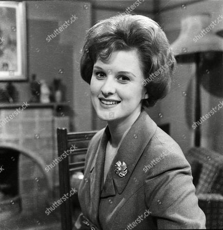Patricia Shakesby (as Susan Cunningham)