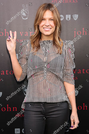 Kiele Sanchez arrives at the celebration for The International Day Of Peace With John Varvatos And Ringo Starr, in West Hollywood, Calif