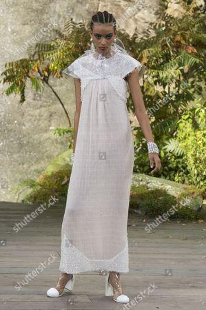 Manuela Sanchez on the catwalk