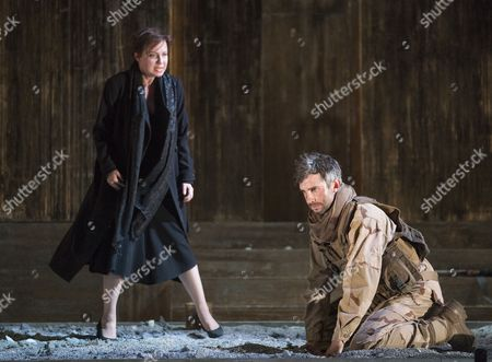 Stock Picture of Galina Averina as Iphise, Anthony Gregory as Dardanus