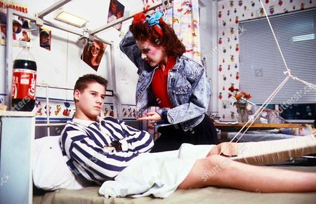 'Children's Ward'  TV - 1989 - Keely Johnson [Jenny Luckraft] quizzes a reluctant Billy Ryan [Tim Vincent] about his visitor.