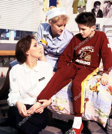 'Children's Ward' TV - 1989 - Carol Harvey as Dr Woods,  Janette Beverley plays student nurse Diane Meadows and William Ash as Darren