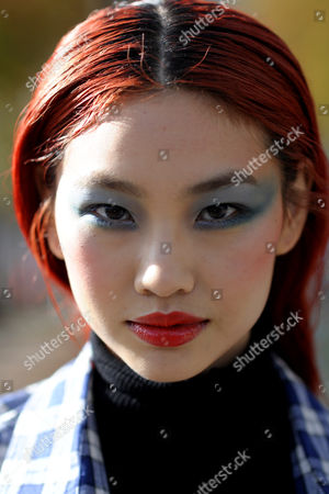 Model Hoyeon Jung