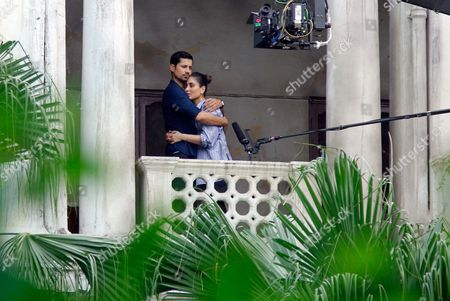 Stock Picture of Kareena Kapoor and Sumeet Vyas