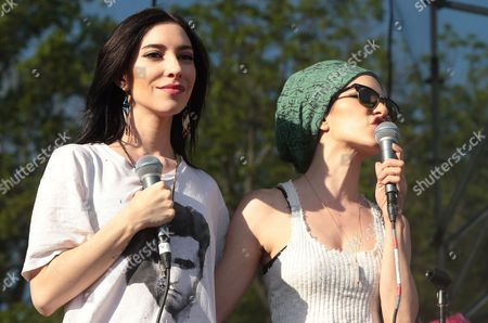 Jessica Origliasso, left, and Lisa Origliasso of the band The Veronicas perform in concert at Rockford Park, in Wilmington, Del
