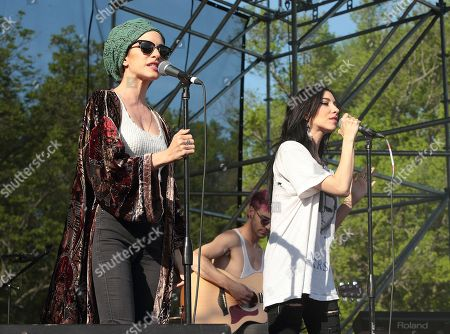 Lisa Origliasso, left, and Jessica Origliasso of the band The Veronicas perform in concert at Rockford Park, in Wilmington, Del