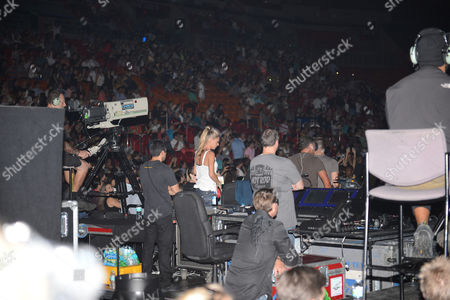 Miami Fl - August 31: Frankie J Performs at Americanairlines Arena On August 31 2012 in Miami Florida People: Anna Kournikova