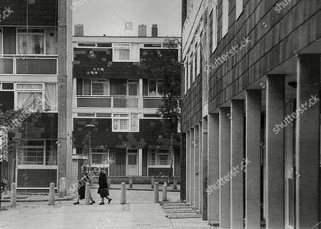 General View Of Shurland Gardens Peckham London S.e.15. Manchester United Fan Roy Coldham 17-year-old London Warehouseman Who Was Fined £50 After Admitting Assaulting Police Sergeant James Noble Lives On The Right. Box 753 901051733 A.jpg.