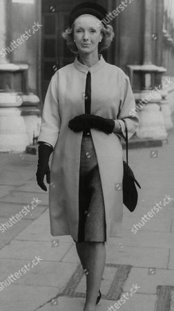 Stock Image of Actress Georgina Cookson At Divorce Court Where She Was Granted A Decree Nisi From Husband Lt. Col. Ernest Unwin On Grounds Of His Adultery. Box 757 718051744 A.jpg.