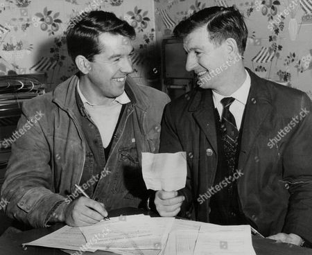 Stock Picture of Former Luton Town And Manchester United Footballer Ronnie Cope (l) With Northwich Victoria Manager Roy Clarke After He Signed For The Non-league Club. Box 759 92505179 A.jpg.