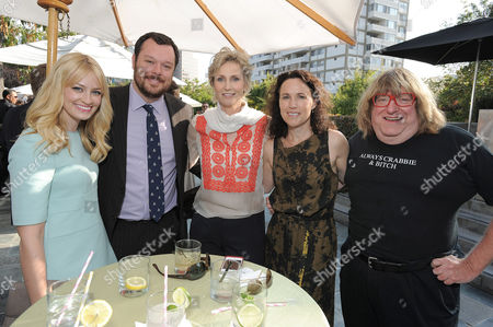 """L-R) Beth Behrs, Michael Gladis, Jane Lynch, Lara Embry and Bruce Vilanch attend the host committee dinner for the """"Backstage At The Geffen"""" Fundraiser on at the W Los Angeles â?"""" Westwood on Monday, June 4, 2012"""