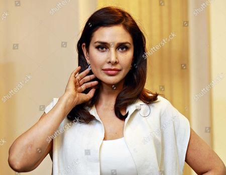 """Stock Photo of Bollywood actor Lisa Ray during a program """"Call for Action: Expanding cancer care for women in India"""", on September 21, 2017 in New Delhi, India"""