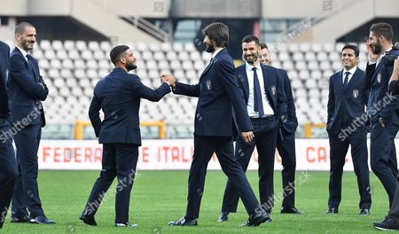 (L-R) Italy's players Leonardo Bonucci, Lorenzo Insigne, Mattia Perin, Antonio Candreva, Eder Citadin Martins react during a pitch inspection at the Olimpico Stadium in Turin, Italy, 05 October 2017. Italy will play against Macedonia on 06 October in a FIFA 2018 World Cup qualifying match.