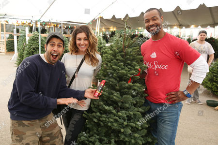 old spice guy isaiah mustafa spreads holiday goodwill at mr jingles christmas tree lot in