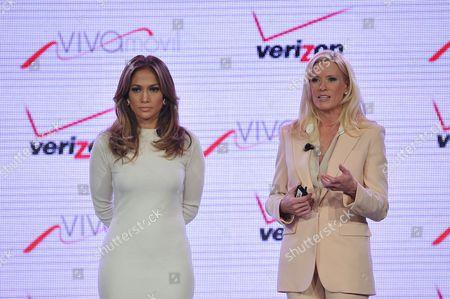 From left, recording artist Jennifer Lopez and Marni Walden, Verizon Wireless Executive Vice President & COO announce Viva Movil by Jennifer Lopez at the Verizon Wireless Press Conference on in Las Vegas