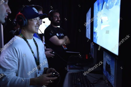 Tim Jo playing Steep at Ubisoft E3 2016 - Day 1 at the Los Angeles Convention Center, in Los Angeles