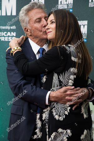 Dustin Hoffman, Lisa Gottsegen